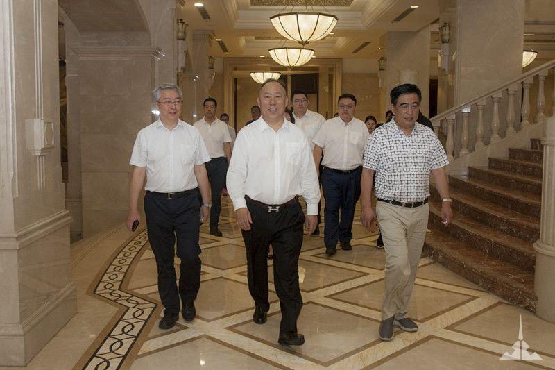 华侨城云南文投集团与优发国际官网签订战略合作协议